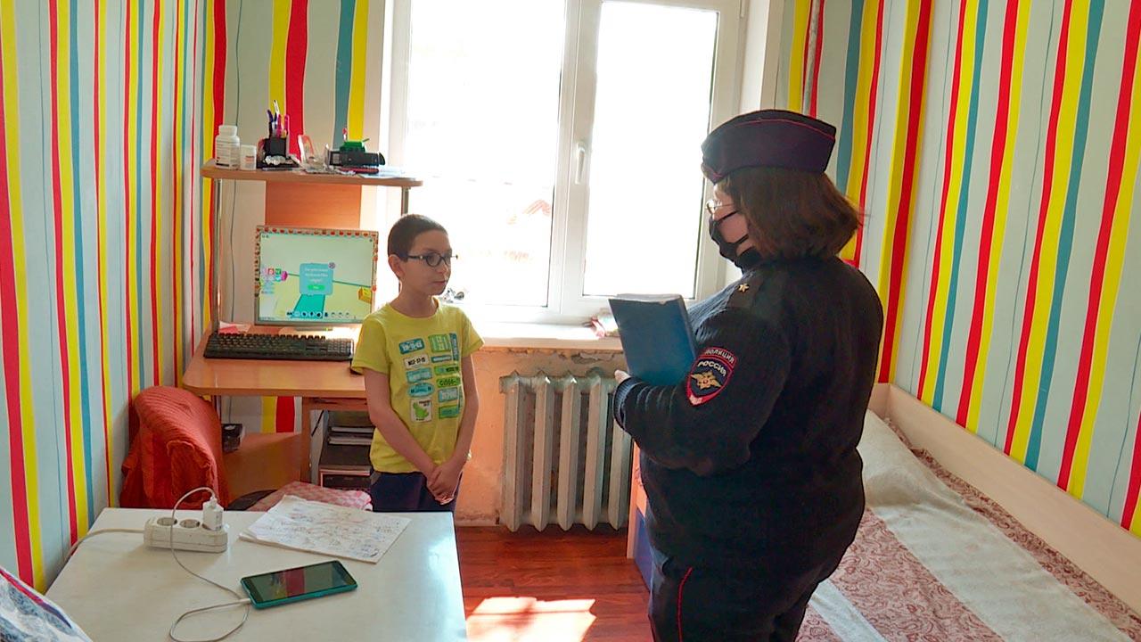 Службе по делам несовершеннолетних МВД России исполняется 85 лет