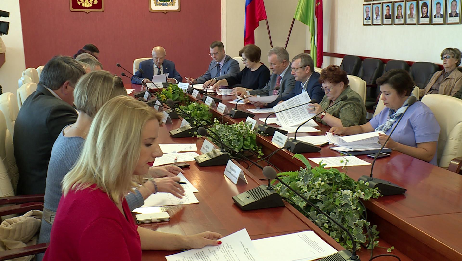 Калужские народные избранники поддержали повышение пенсионного возраста